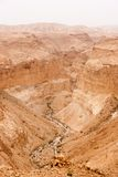 Перемещение в приключении деятельности при каменной пустыни пешем Стоковые Фотографии RF