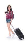 Перемещение женщины Молодой красивый азиатский путешественник женщины с чемоданом стоковое фото