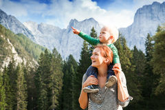 Перемещение, исследует, семья, будущая концепция Стоковая Фотография RF