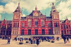 Перемещение к красивым Нидерланд Вокзал Амстердама стоковая фотография rf