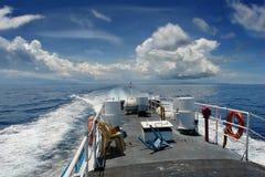 перемещение моря корабля быстрое тропическое Стоковые Изображения RF