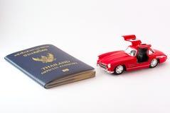 Перемещение Таиланда пасспорта с моделью автомобиля Стоковая Фотография RF