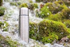 перемещение thermos склянки Стоковое Фото