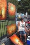 Перемещени-новый Орлеан-художник в французском квартале Стоковое Фото