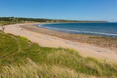 Перенесите пляж Eynon назначение Gower Уэльса Великобритании популярное туристское стоковые изображения rf
