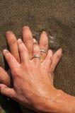 Переплетаннсяые руки Стоковое Фото