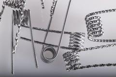 Переплетенный пример катушек multi стренги vaping стоковая фотография rf