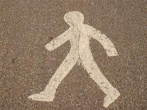 Пересекать людей дорожного знака Стоковая Фотография RF
