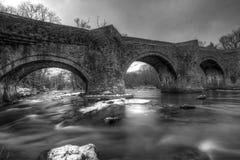 пересекая старое река Стоковое Изображение