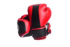 2 пересекли черные перчатки бокса на белой предпосылке Стоковое Изображение