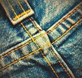 Пересеченные швы на джинсовой ткани Стоковые Фото