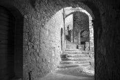 Переулки страны Италии с сводами Стоковое Фото