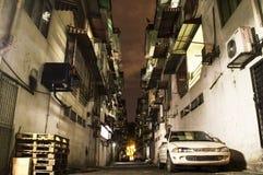 Переулок в ноче в пригороде бедных Куалаа-Лумпур Стоковые Изображения RF