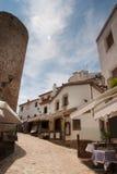 Переулок в Tossa de Mar, Каталонии Стоковые Фото