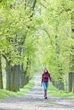 Переулок женщины весной Стоковое Фото