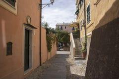 Переулок Albisola Лигурии, Италии Стоковые Изображения