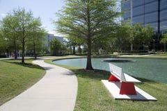 Переулок вокруг озера в парке Frisco Hall Стоковое Изображение