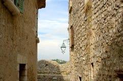 Переулок в исторической деревне Стоковое Изображение