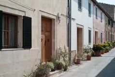 Переулок в Alcúdia на острове Мальорки Стоковое Изображение