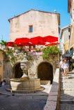 Переулок в St-Пол-de-Vence, Alpes-Maritimes, Франции Стоковые Фото