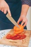 Перец вырезывания человека стоковое изображение