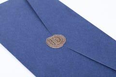 Перешлите конверт или письмо загерметизированные с крупным планом штемпеля уплотнения воска Стоковые Изображения