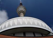 Передатчик и башня взгляда Стоковое Изображение