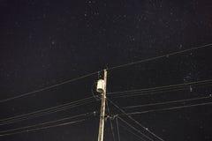 Передающая линия nighttime Стоковые Фотографии RF