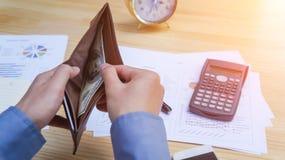 Передвижной бумажник с банкнотами в банкротстве бумажника Стоковые Изображения RF