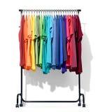 Передвижной шкаф с цветом одевает на белой предпосылке Архив содержит путь к изоляции Стоковые Фотографии RF