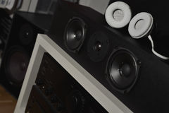 Передние дикторы от 7 1 звуковая система и наушник hi-fi THX Стоковые Фото