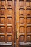 Передний план старой деревянной двери Стоковые Изображения