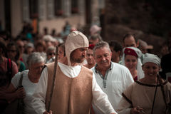 Передовица, 14-ое июня 2015: Chatenois, Франция: Des Remparts d Fete стоковое фото