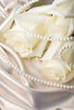 перла шариков cream подняла стоковое изображение