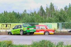 ПЕРМЬ, РОССИЯ - 22-ОЕ ИЮЛЯ 2017: 2 перемещаясь автомобиля во время аварии o Стоковые Фото