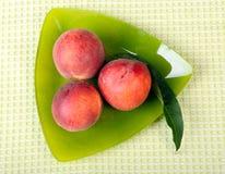 3 персика Стоковая Фотография
