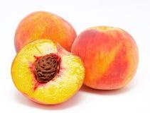 Персики изолированные на белизне Стоковое Изображение RF