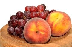 Персики и виноградины Стоковое фото RF