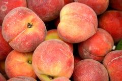 персики рынка Стоковая Фотография RF