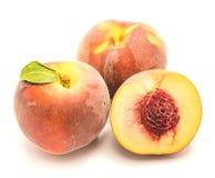 Персик изолированный на белизне Стоковая Фотография RF