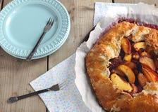 Персик и слива Galette Стоковые Фото