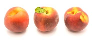 Персик на белизне Стоковая Фотография