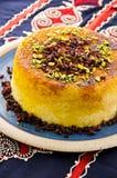 Персидский рис Tah-Chin с барбарисом стоковые фотографии rf
