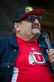 Персона говоря на протесте козыря стоковая фотография