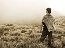 Персона концепции смотря на неизвестное будущее & трудный выбор Стоковые Изображения