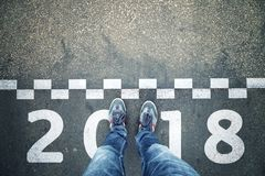 Персона на линии предпосылке Нового Года старта Стоковые Изображения