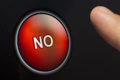 Перст отжимая красный цвет ОТСУТСТВИЕ кнопки на сенсорном экране Стоковые Фото