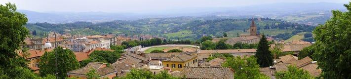 Перудж, Италия - панорамный взгляд Перуджа, столицы Умбрии Стоковое фото RF