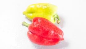 2 перца зеленый цвет и красный цвет Стоковая Фотография RF