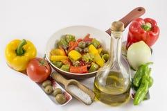 Перцы, луки, томаты и оливки Стоковое фото RF